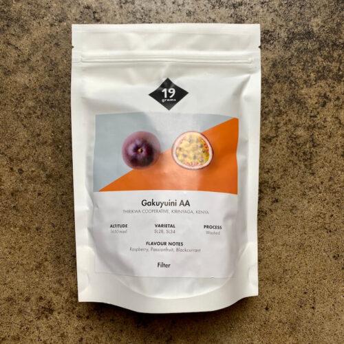 19 grams | Kenia gakuyuini | kawa speciality | Berlin | Owoce i Warzywa